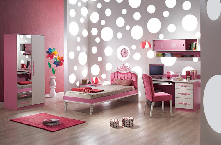girls rooms: awesome  or awful – title online