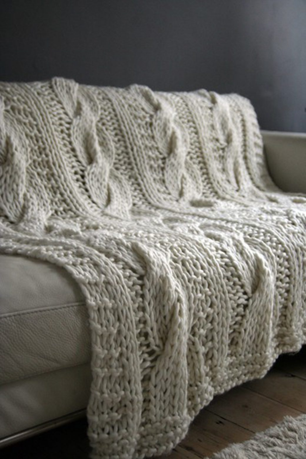 Chunky Cable Knit Throw Rug Natural – Title Online : Title Online